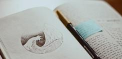Rupi Kaur: Spoznaj SPROŠČUJOČO tehniko pisanja POEZIJE, ki ti pomaga ob TESNOBI