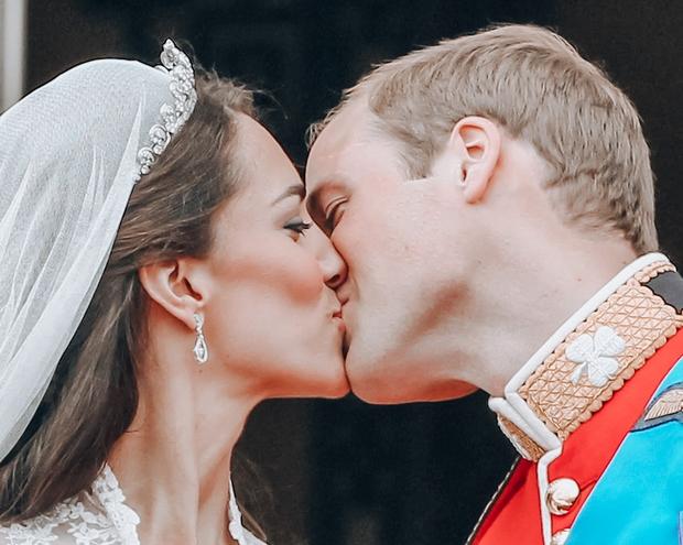 Kate Middleton in princ William sta mnogim parom velik vzgled, ko pride do družinskega življenja in ohranjanja iskrice ljubezni! In …
