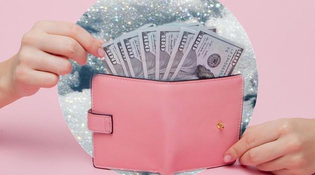 VIDEO: Kako prekiniti začarani krog 'od plače do plače' (super nasvet finančne strokovnjakinje)