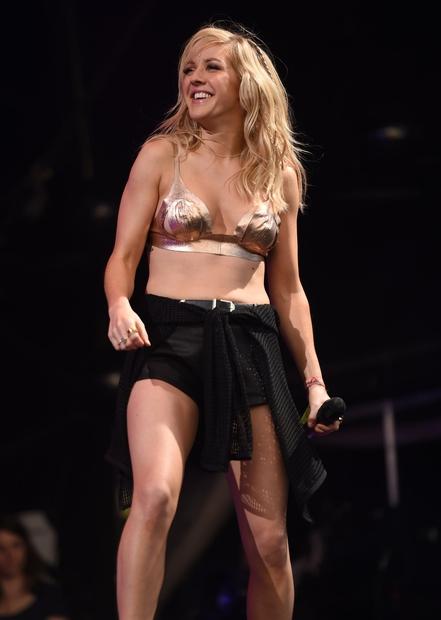 👉Tako je Ellie izgledala nekoč in zagotovo se strinjaš, da je tudi na čistem začetku svoje kariere izgledala fantastično! No, …