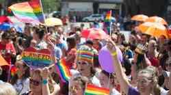 Kako mavrična je Slovenija v resnici? (LGBTQ+ reprezentacija v slovenskih medijih)