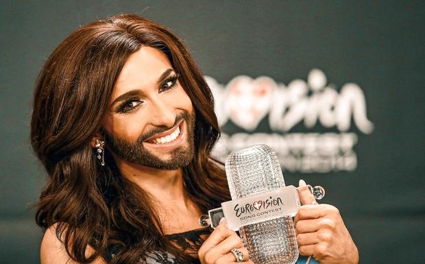 Zagotovo se spomniš Conchite Wurst, ki je ena najbolj odmevnih zmagovalk Evrosonga v celotni zgodovini tekmovanja, nam pa je ostala …