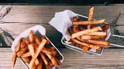 TE 4 jedi pospešujejo STARANJE tvoje kože (in zagotovo jih REDNO uživaš!)