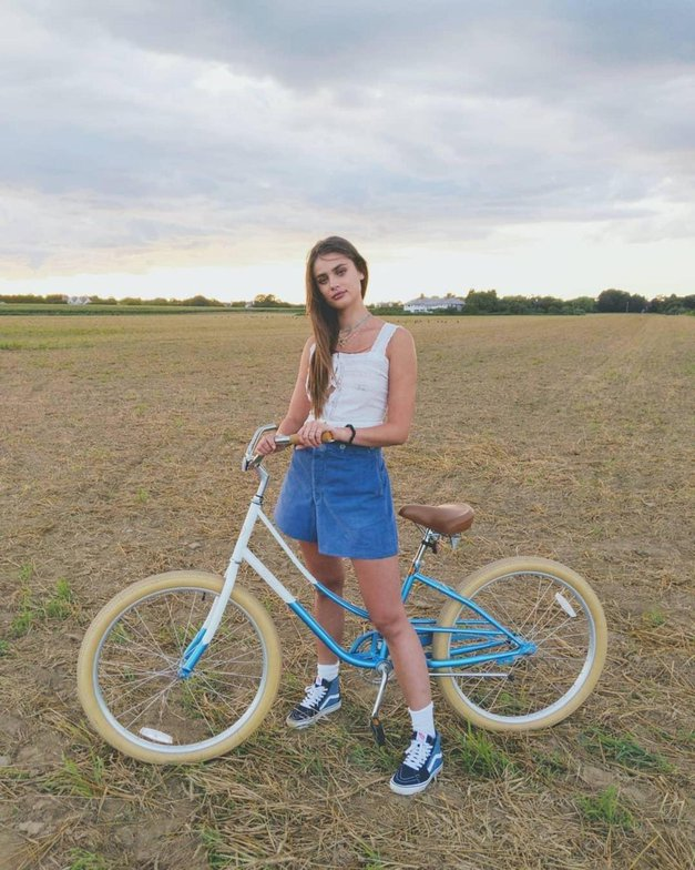 Hodiš v službo s kolesom? To so TOP ideje, kako se lahko oblečeš (ne da bi žrtvovala stil!) (foto: Profimedia)