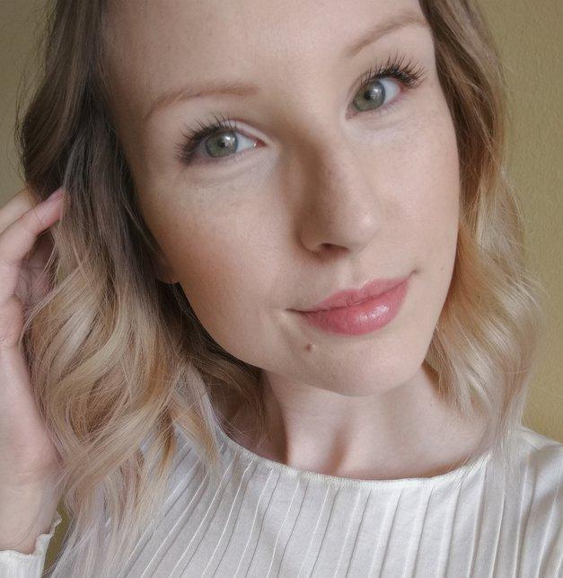 Znana slovenska blogerka razkrila aplikacijo, ki je rešila njene težave s kožo (foto: OSEBNI ARHIV)