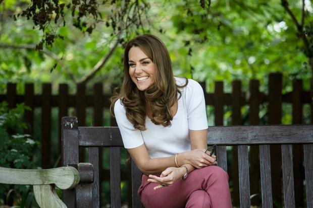 Kate Middleton ni zgolj mojstrica elegantnega videza, vojvodinja obvlada tudi ulični slog, ki vedno znova navduši in tako lahko ga …