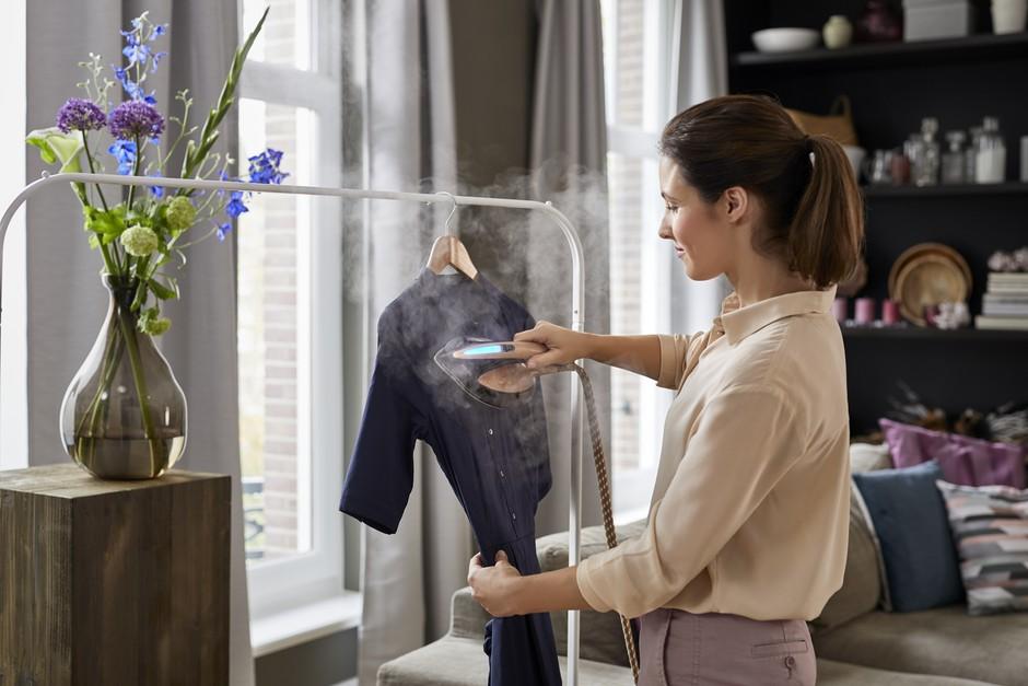 Ne maraš likanja? Tole je TOP rešitev za urejena oblačila, ki ti jo priporočajo tudi blogerke (foto: PROMO)