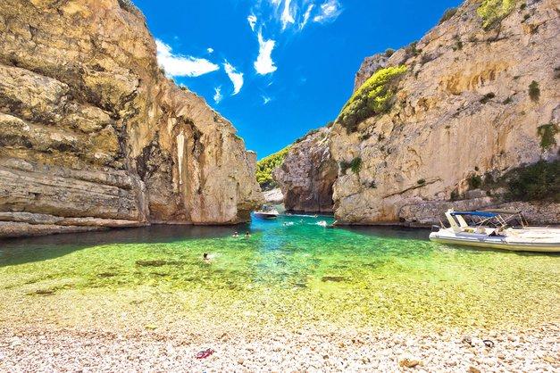 O, uau! TO je najlepša plaža na Jadranu (skrita oaza, v katero se boš zaljubila) (foto: Shutterstock)