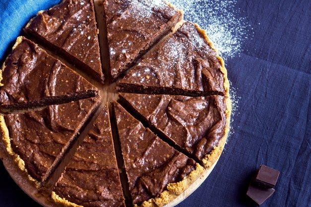 RECEPT: Odlična ČOKOLADNA torta iz avokada (iz 5 sestavin in BREZ peke!) (foto: profimedia)