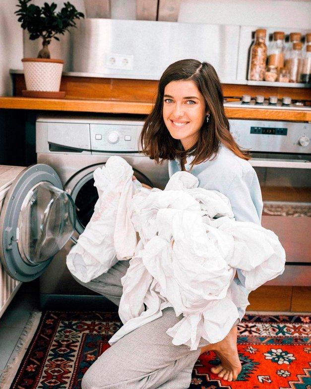 TAKO iz oblačil odstraniš mastne madeže (trik, ki vedno deluje!) (foto: Profimedia)