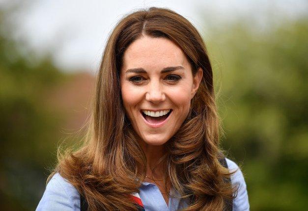 Takšne Kate Middleton še nismo videli! S popolnoma blond lasmi je videti KRASNO! (foto: Profimedia)