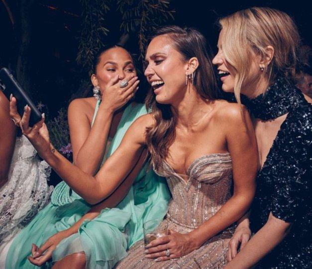 TA novi trend na družabnih omrežjih nas je NASMEJAL do solz 😂 (in tudi tebe bo!) (foto: Profimedia)