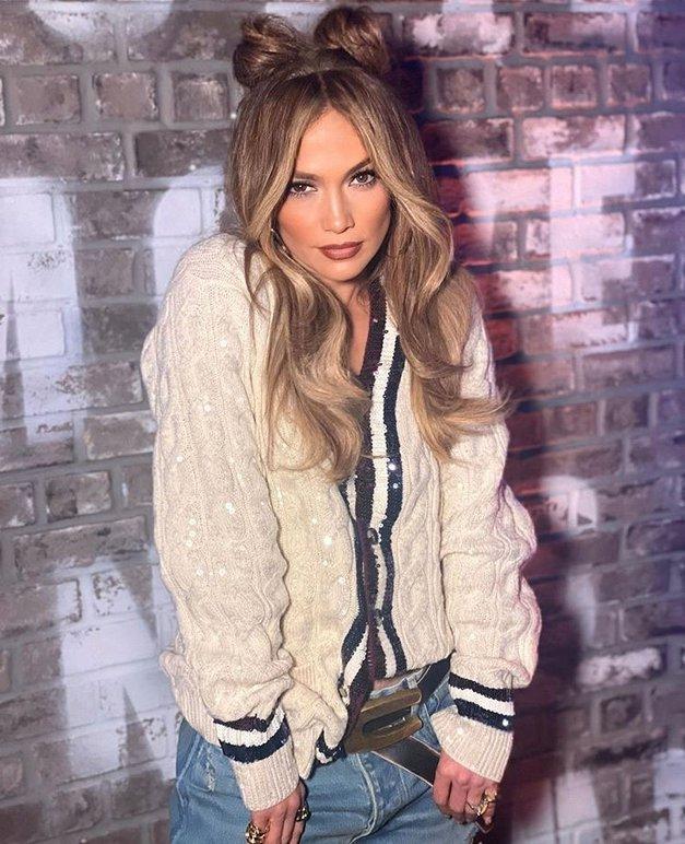 Obožuješ ROŽNATO? Poglej, kako HUDO jo nosi Jennifer Lopez (foto: Profimedia)