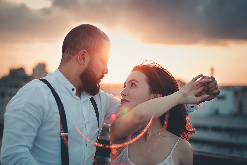 ASTRO: 4 znamenja, ki se (pre)hitro zaljubijo (foto: pexels)