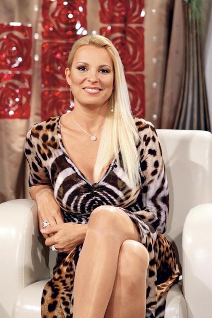 Lu Lončina je širni Sloveniji postala najbolj znana kot priljubljena žirantka v šovu Slovenija ima talent, še posebej pa se …