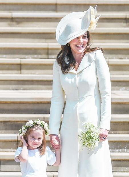 Če si se tudi ti na dan poroke Meghan in Harryja zelooo veselila stajlinga Kate Middleton, potem pa je sledilo …