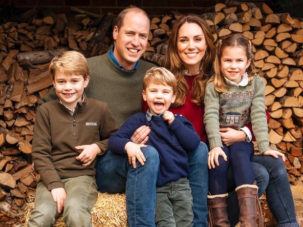 Pred dnevi je kot vihar završala novica, da Kate Middleton in princ William več ne živita v Kensingtonski palači, ki …