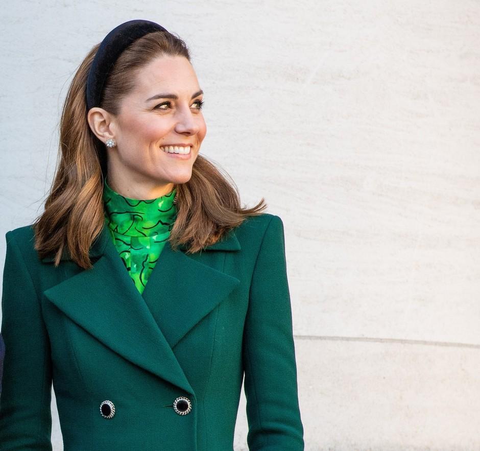 Preveri, kateri MOBI ima Kate Middleton (skoraj zagotovo ga imaš tudi ti 🙊) (foto: Profimedia)