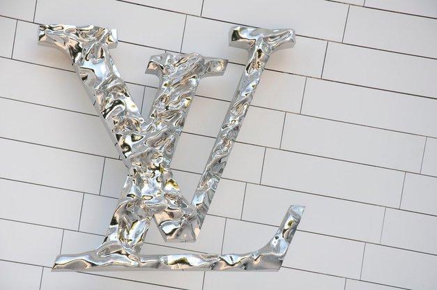 Louis Vuitton predstavil novi pulover za 6.600 evrov, svet pa v SMEH (poglej, zakaj!) (foto: Profimedia)