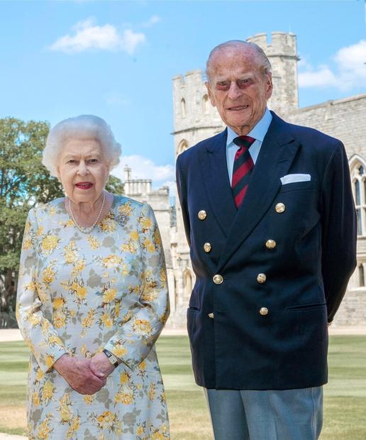 Kraljica Elizabeta II. in princ Filip bosta letos praznovala 74. obletnico njune poroke, očitno pa bosta to storila zadnjič! V …
