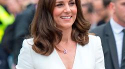 Poglej sičudovit stajling iz ZARE, ki ga je nosila Kate Middleton (popoln za v službo!)