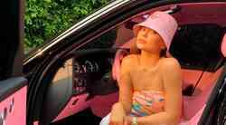 Kylie Jenner razkrila vsebino svoje pomladne GARDEROBE, nora je (piše naša modna urednica)