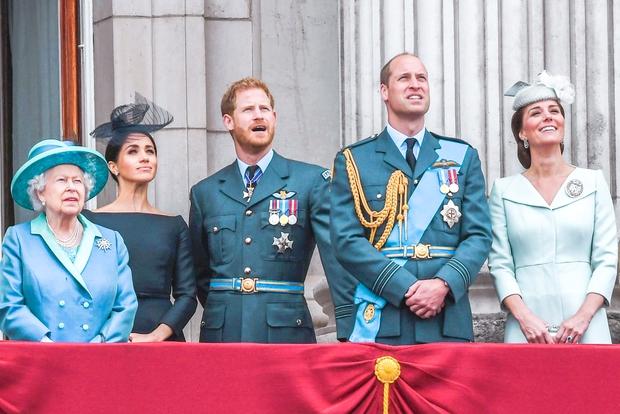 Mnogi so izjemno presenečeni nad dejstvom, kako zelo ljubeča in popustljiva je kraljica Elizabeta II. do svojega vnuka, princa Harryja …