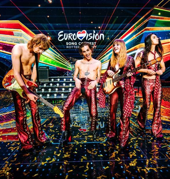 Evrovizijski cirkus se drugo leto po zaslugi seksi rock skupine Maneskin seli k našim sosedom Italijanom, ki nam za 66. …