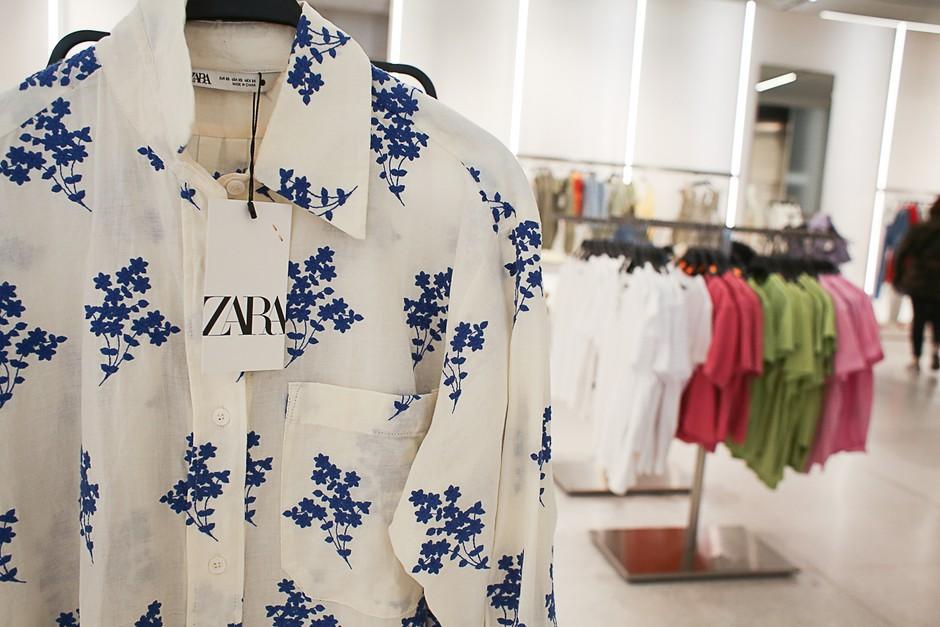 Waw! Zara na svojih etiketah skriva podatek, ki ti bo prišel ZELO prav (in me smo navdušene!) (foto: Profimedia)