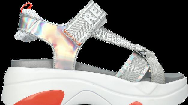 5 načinov, kako bomo letos nosile STRAPPY sandale (foto: Promocijski material)