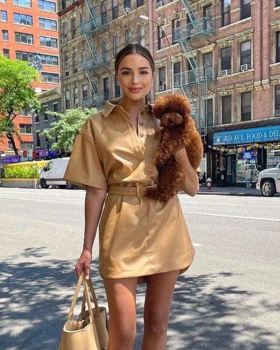 Na TA modni trend to poletje prisegajo Francozinje (in TAKO ga enostavno posnemaš) (foto: Profimedia)