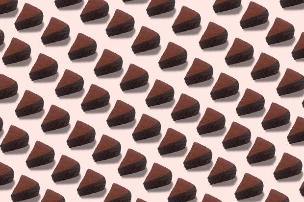 Če obožuješ čokoladne sladice, smo našli tako popoln recept zate, da ga boš pripravljala spet in spet in spet. Splet …