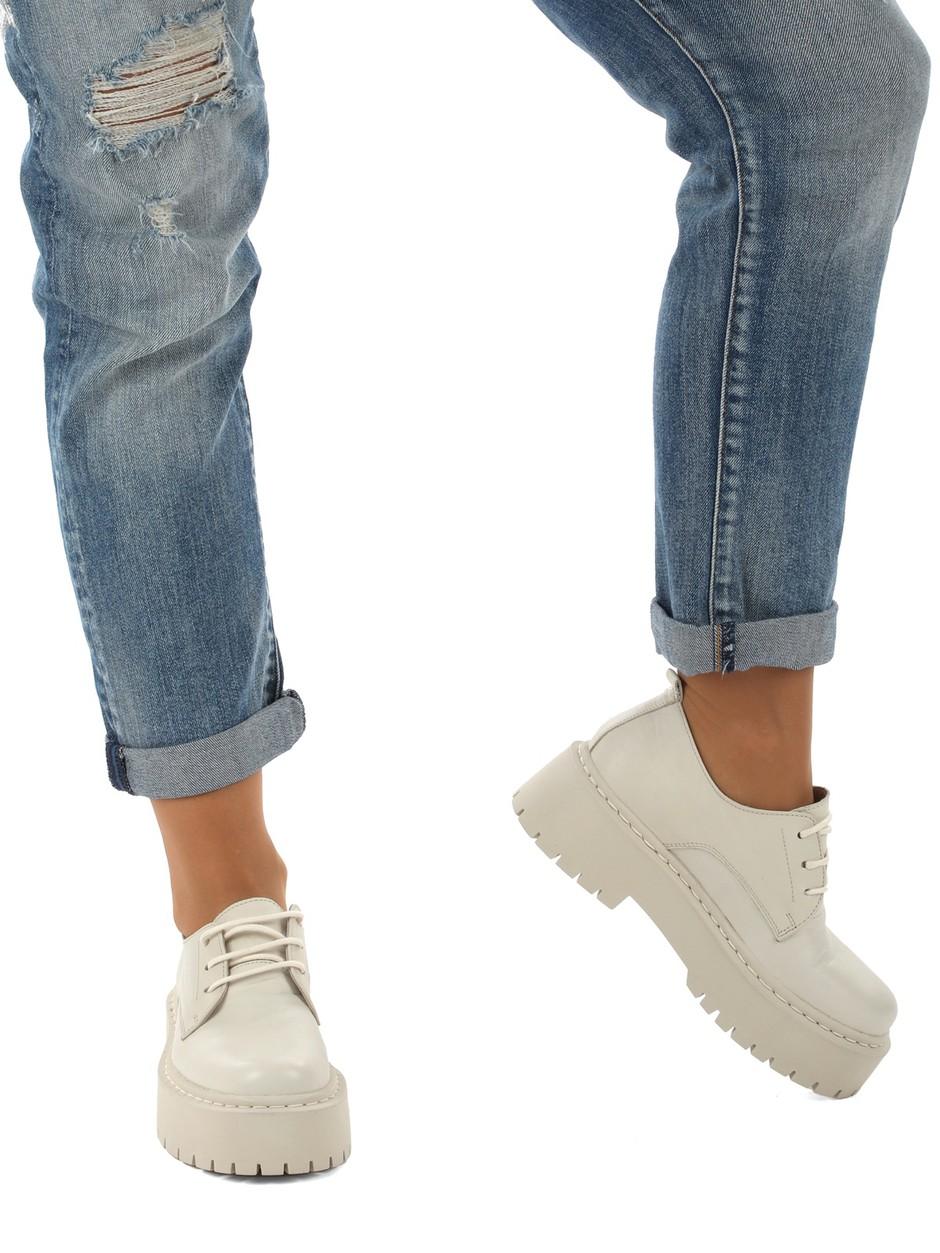 Čevlji s PLATFORMO so eden najbolj VROČIH trendov te jeseni (izbrale smo TE!) (foto: Mass)