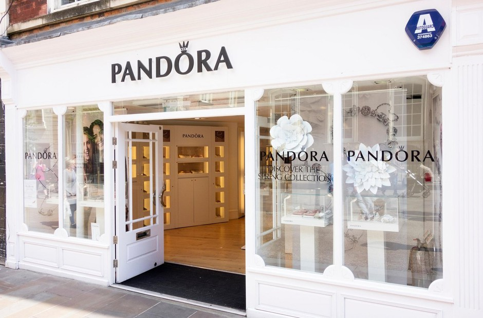 Obožuješ nakit PANDORA? Nekdanja zaposlena razkriva TRIKE, s katerimi boš privarčevala (foto: Profimedia)