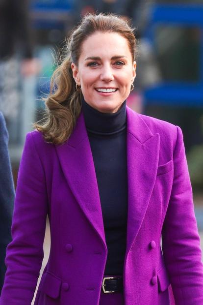 Kate Middleton pravimo tudi 'kraljica modnega recikliranja', saj nas vedno znova navduši s tem, da svoja oblačila nosi večkrat in …